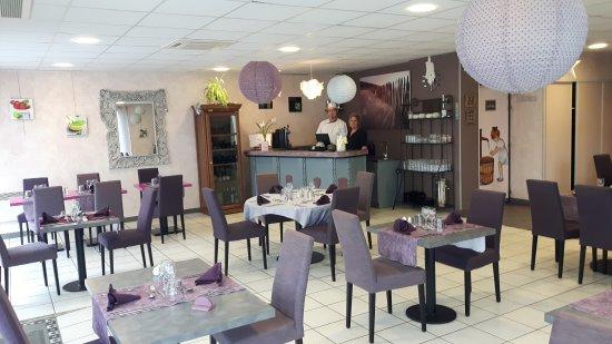 Deux-Sevres, France: La salle du restaurant