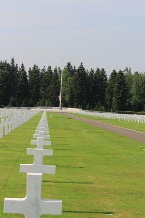 Neupre, Bélgica: bajada de bandera