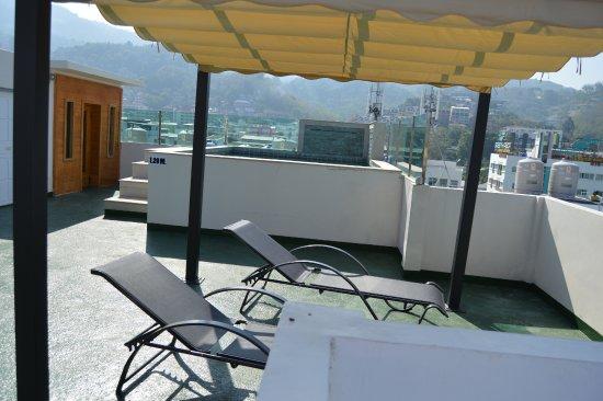 Oscar Boutique Hotel: Piscine et sauna sur le toit de l'hôtel