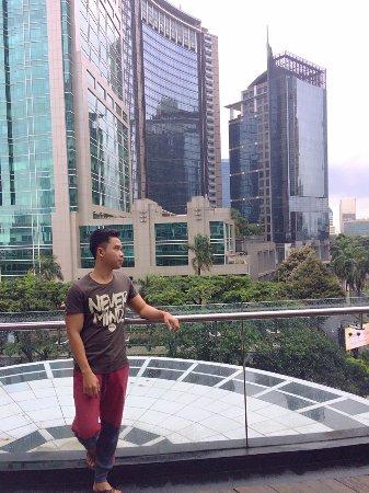 Oakwood Premier Cozmo Jakarta: Poolside