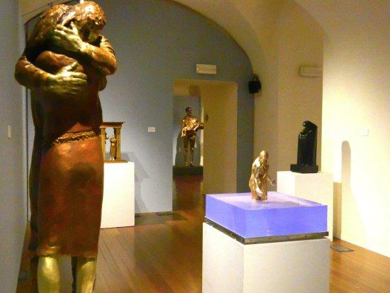 Asti, Italy: Sculture di Giuliano Vangi