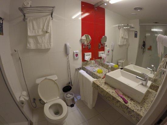 Hotel Mercure Maceio Pajucara: Banheiro