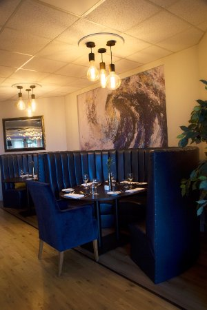 Woodbridge, UK: looking for privacy why not eat in our booth ideal for families