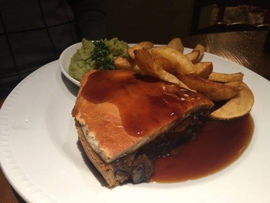 Crewe, UK: Beef pie