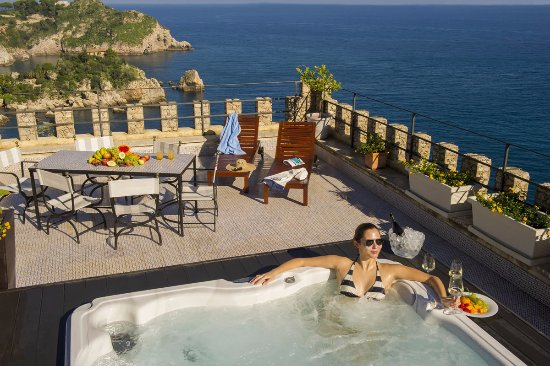 Hotel villa carlotta 200 2 1 1 updated 2018 prices for Boutique hotel taormina