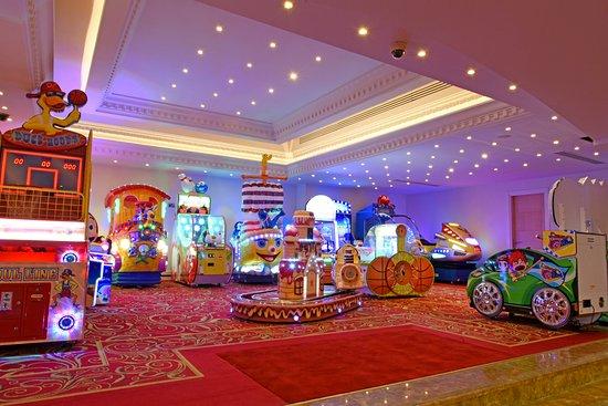 Interior - Picture of Acapulco Resort & Convention & SPA, Catalkoy - Tripadvisor