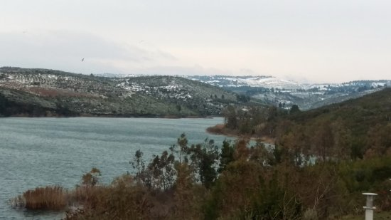 Marathon, Grecja: Vue sur le lac, agréable sensation de paix et de calme