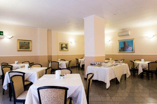 Piccolo Hotel: BREAKFAST ROOM