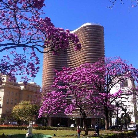 obras de arte da praça - Foto de Praça da Liberdade, Belo Horizonte ... e3609a7cda
