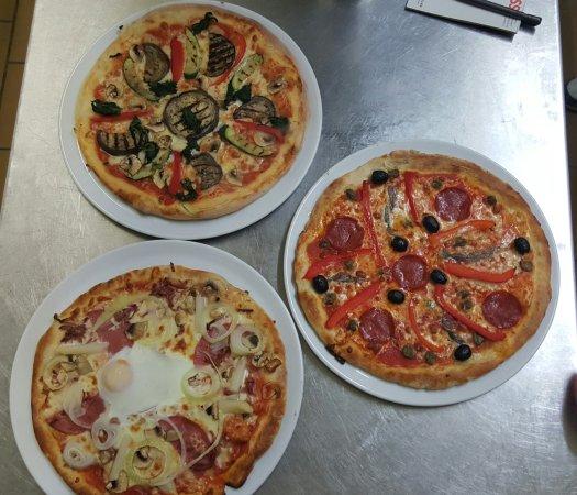 Offenburg, Duitsland: Pizzeria La Famiglia - Schaible Stadion