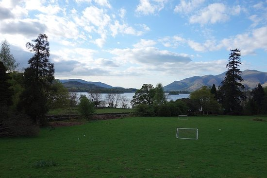 Borrowdale, UK: The view from the front garden. I spent many evenings here relaxing and enjoying the view.