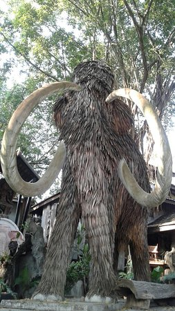 San Kamphaeng, Tajlandia: 20170215_162643_large.jpg