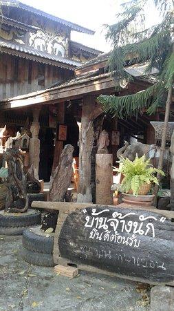 San Kamphaeng, Tajlandia: 20170215_162719_large.jpg