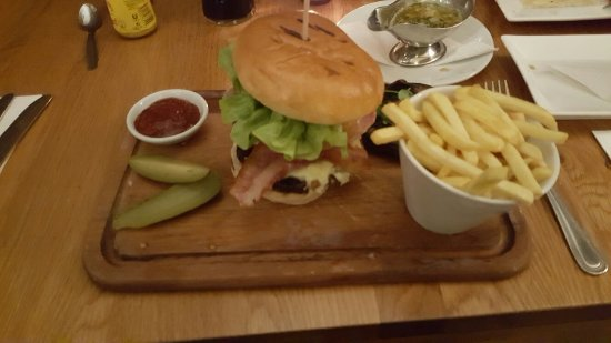 Attleborough, UK: gourmet burger