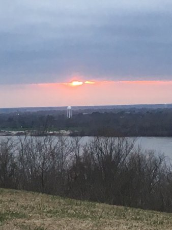 Weymouth Hall : On the hill of Weymouth overlooking the mighty Mississippi and the bridge btw Natchez Miss and V