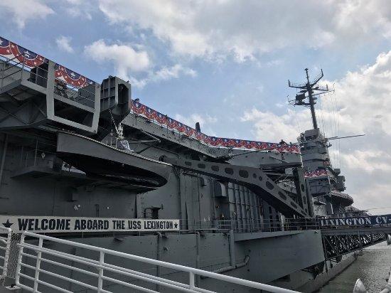 USS LEXINGTON: photo0.jpg