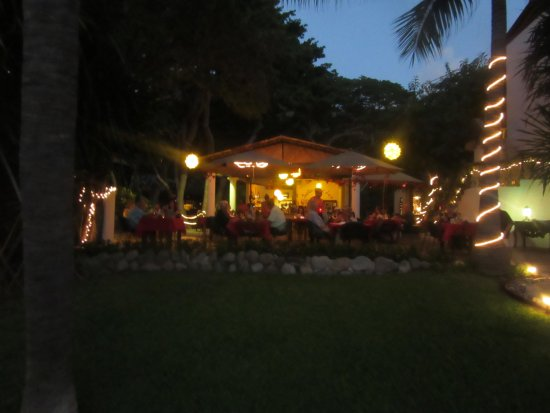 Troncones, Mexico: This is a picture of the restaurant taken from oceanside