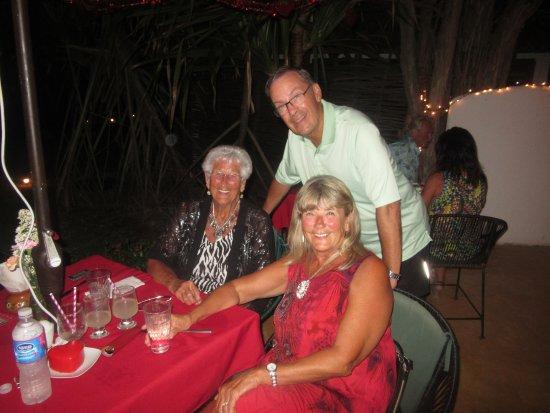 Troncones, Mexico: My family