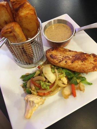 Stromstad, Zweden: Chicken, Idahopotato and peppersauce