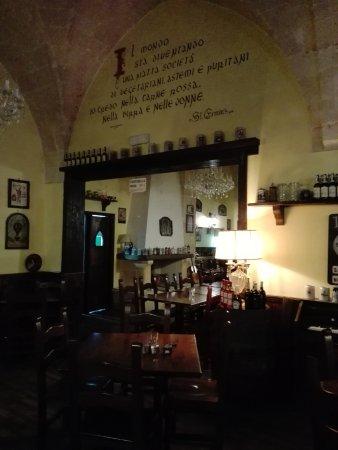 Francavilla Fontana, Italy: Interno del  locale