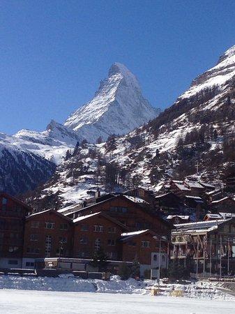 Elsie's Bar: Zermatt Sun