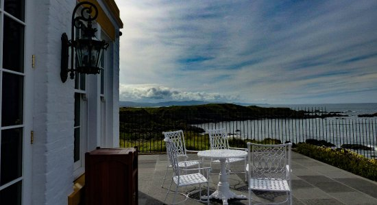 Turnberry, UK: Part of the outside terrace