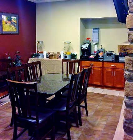 Crystal Springs Inn & Suites : Breakfast Cafe