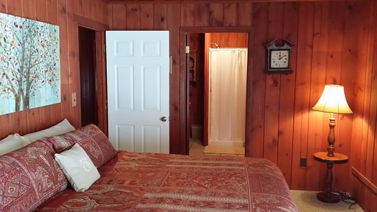 Boyne City, MI: Private room with king size bed and private bath.