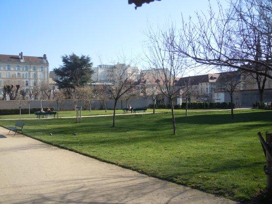 Le Jardin Picture Of Jardin Catherine Laboure Paris Tripadvisor