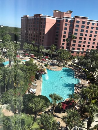 Caribe Royale All Suite Hotel & Convention Center: View of the pool from our room on the 7th floor in Tower 1.