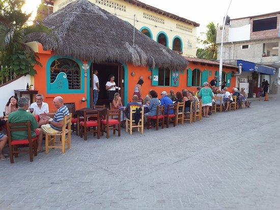 La Cruz de Huanacaxtle, Mexico: Outdoor seating