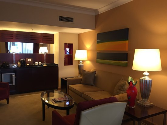 The Chelsea Harbour Hotel: Marina view suite