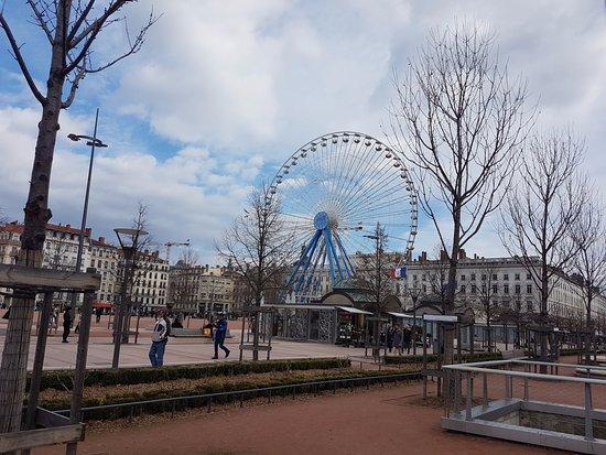 Meyzieu, Francia: Pas très loin le centre de Lyon