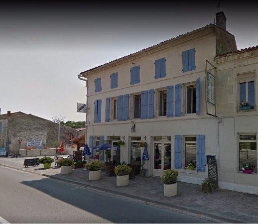 Asnieres-la-Giraud, Francia: etablissement