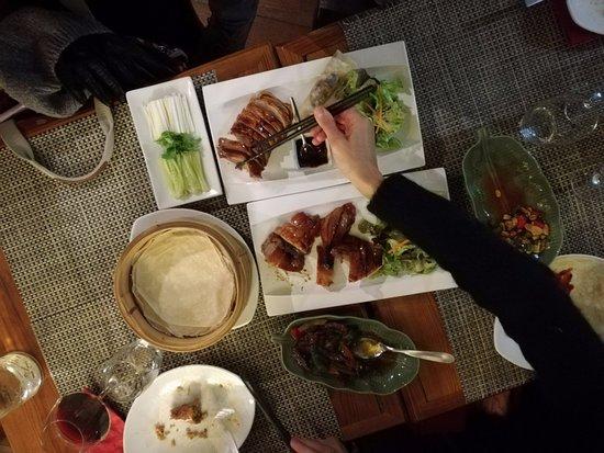 restaurant au petit pekin dans pau avec cuisine chinoise. Black Bedroom Furniture Sets. Home Design Ideas