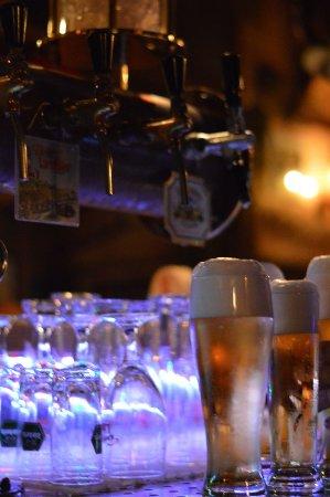 Oestrich-Winkel, Alemania: 6 Biere immer frisch vom Faß