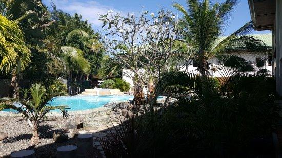 Tawala, Philippines: Poollandschaft