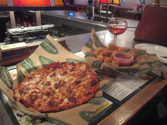 Fridley, MN: Combinagtion Pizza and Curds