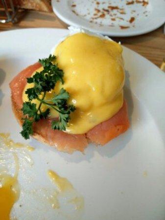 Sea Spray Boutique Hotel: Eggs Royal