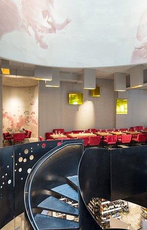 WEIN & CO Stephansplatz: Sitzbereich in unserem Restaurant am Stephansplatz