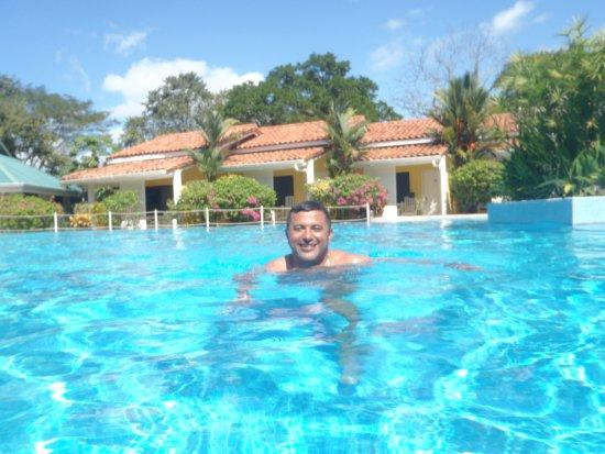 """Huacas, Costa Rica: descontração na piscina do """" BW camiño a Tamarindo""""."""