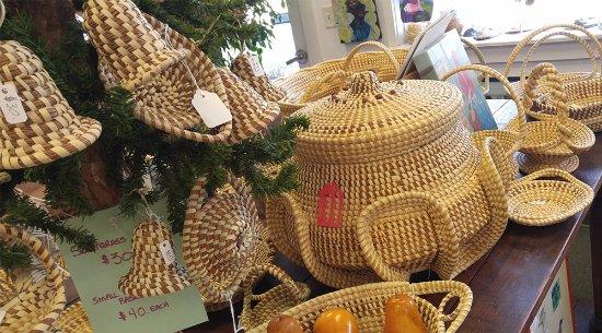 Saint Helena Island, SC: Sweetgrass baskets
