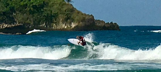 Cocles, Costa Rica: Couple surf competition pics