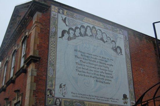 Coiste Falls Rd Mural Tour