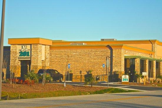 201 Seafood Restaurant And Tapas Lounge At The Savannah Hilton Head Airport