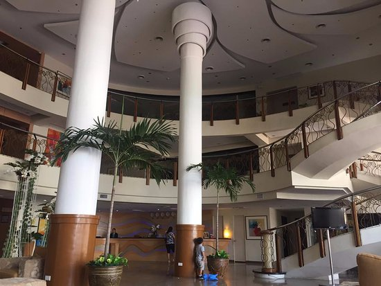 The Pinnacle Hotel and Suites: fsfss