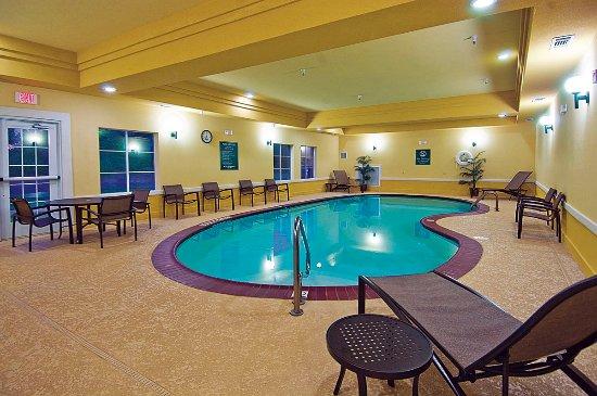 Jacksonville, تكساس: Indoor Heated Pool