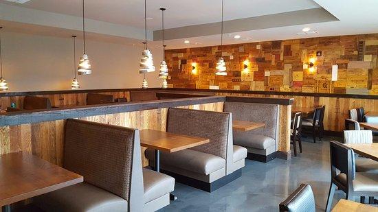 Saint Peters, Missouri: Dining