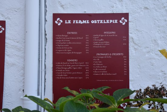 Ahetze, France: The rather permanent menu posted outside