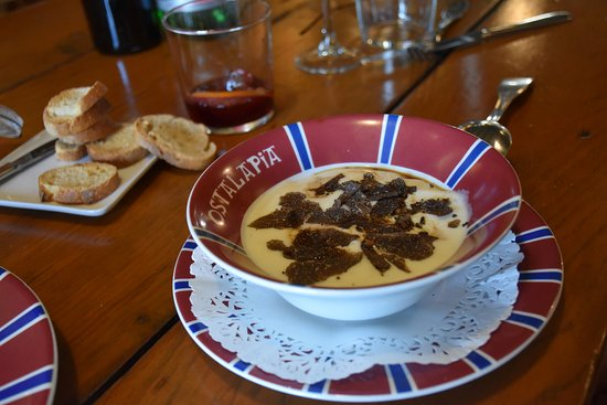 Ahetze, ฝรั่งเศส: Eggs with truffle